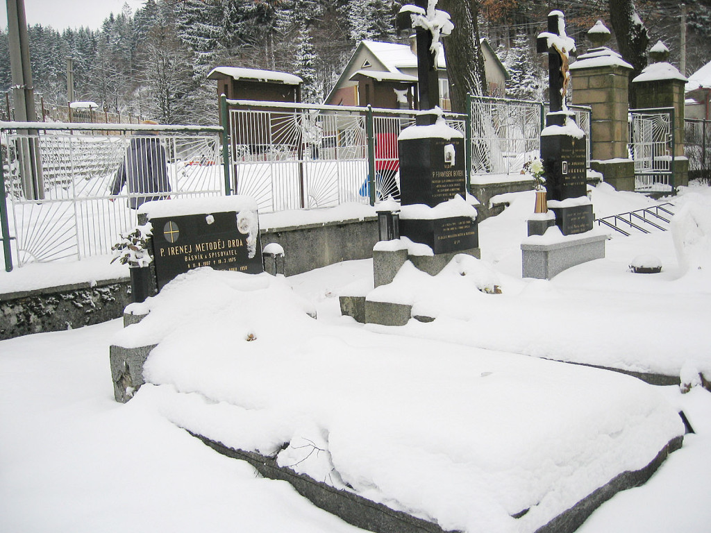 Hrob Val Bystř