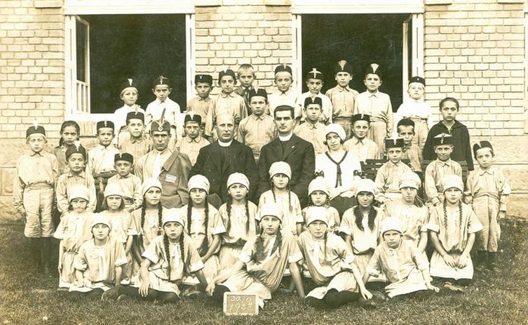 1928-09-30-fotky-od-pani-martinkove-orli